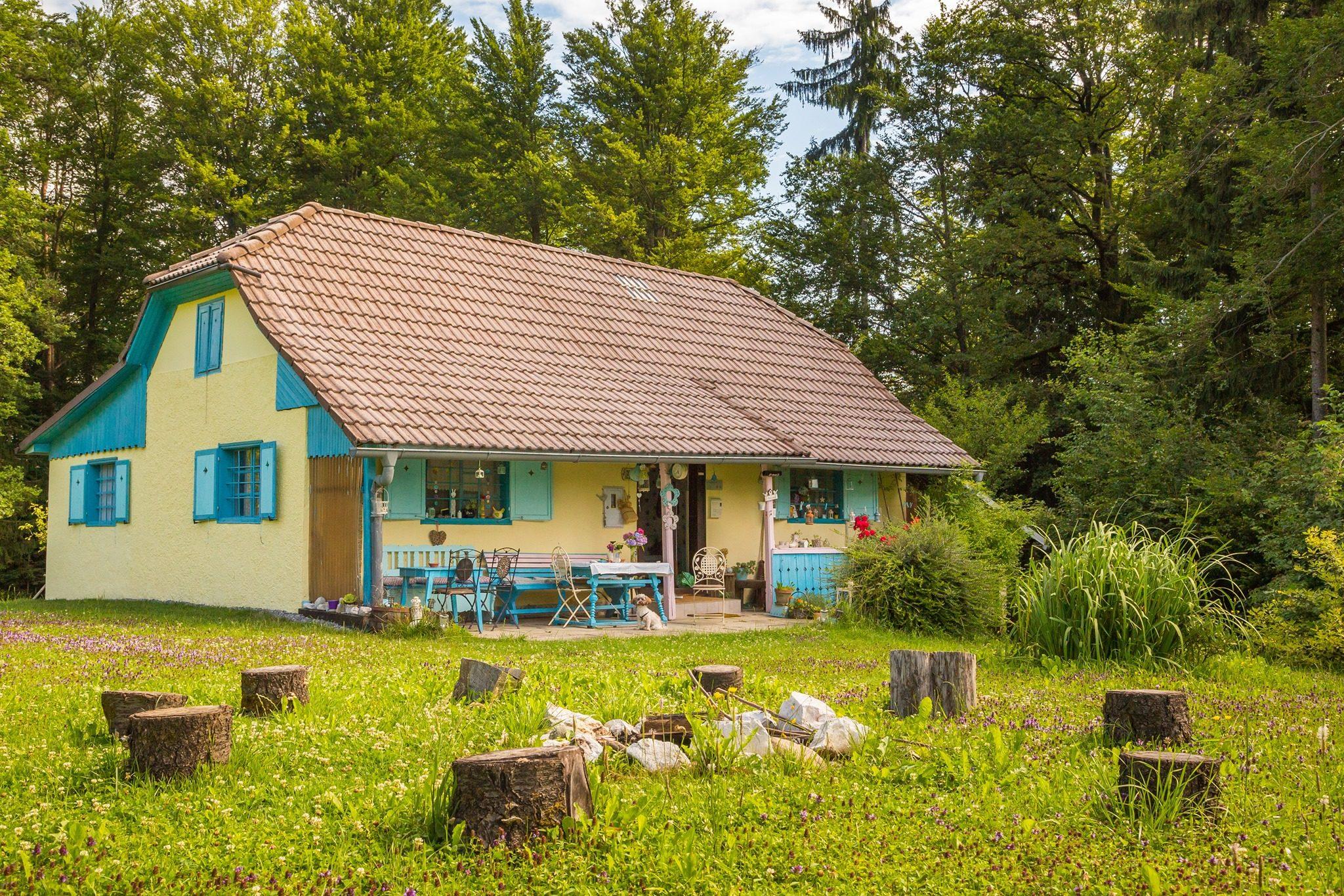 Modra hiška 1-visit-braslovce